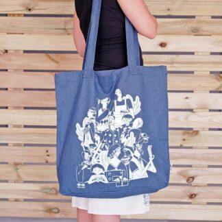 Bolsa tote reutilizable de tejano reciclado serigrafiada . Usar y Reusar tu tienda online residuo cero