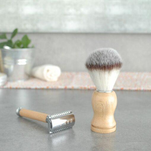 afeitadora clásica reutilizable de acero y madera