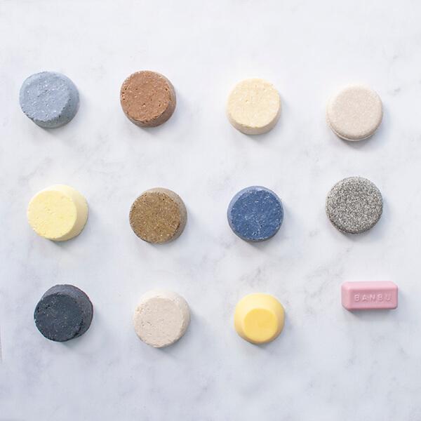 Productos de cosmética sólida para un baño sin platico