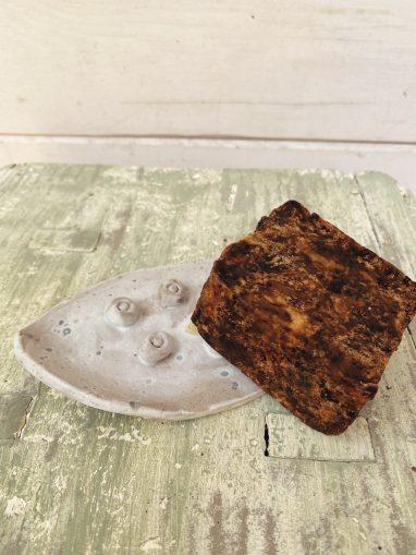 jabonera-artesanal-de-usar-y-reusar-gris